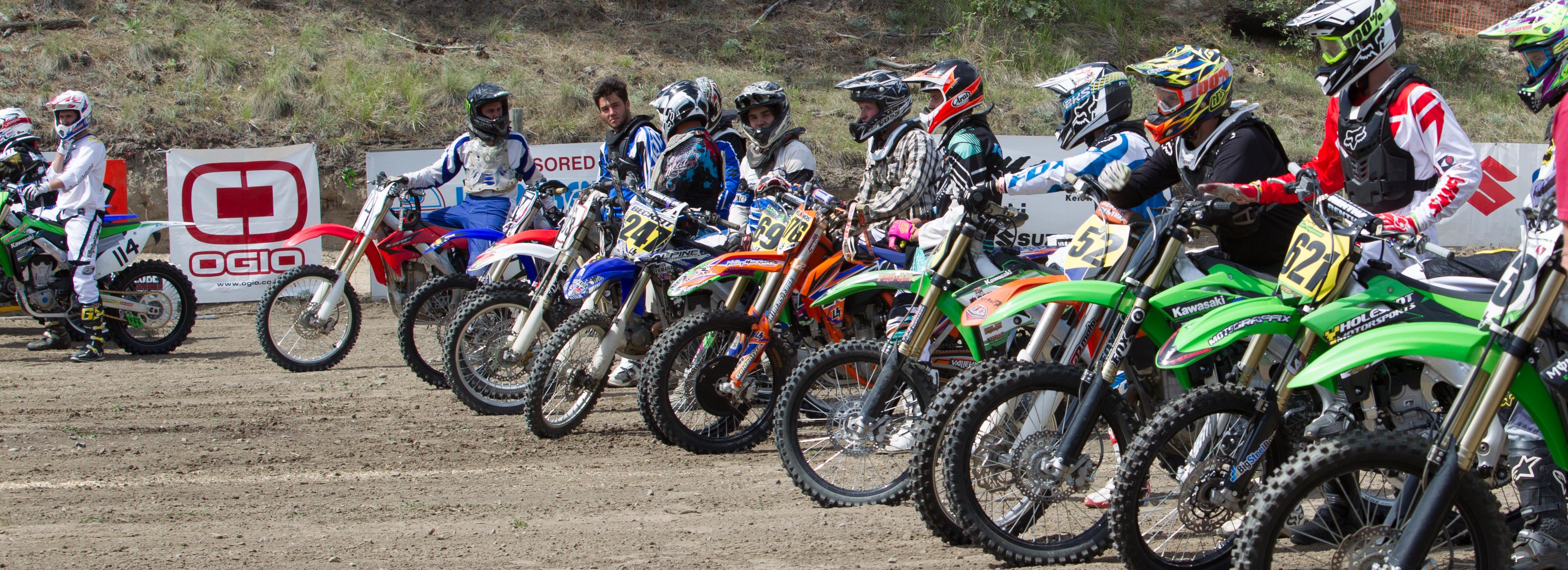BSB_line of motorcrossers