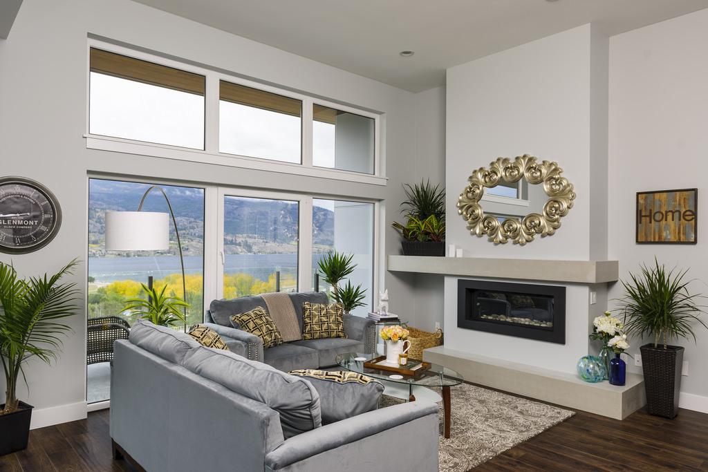 skaha-home-living-room